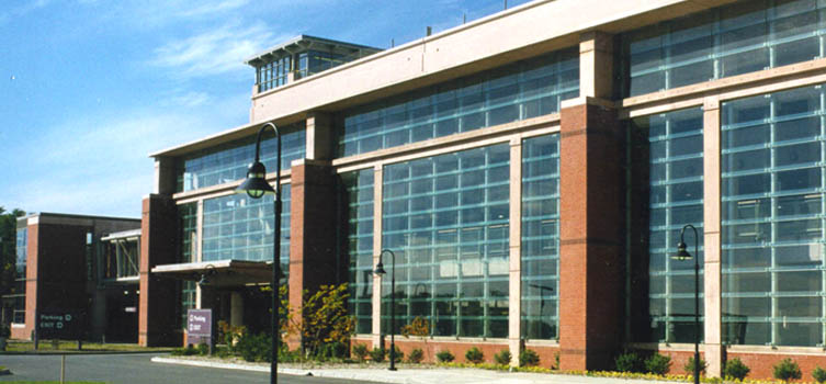 ALB_Albany_Airport_Architecture_Parking_Structure_Facade.JPG